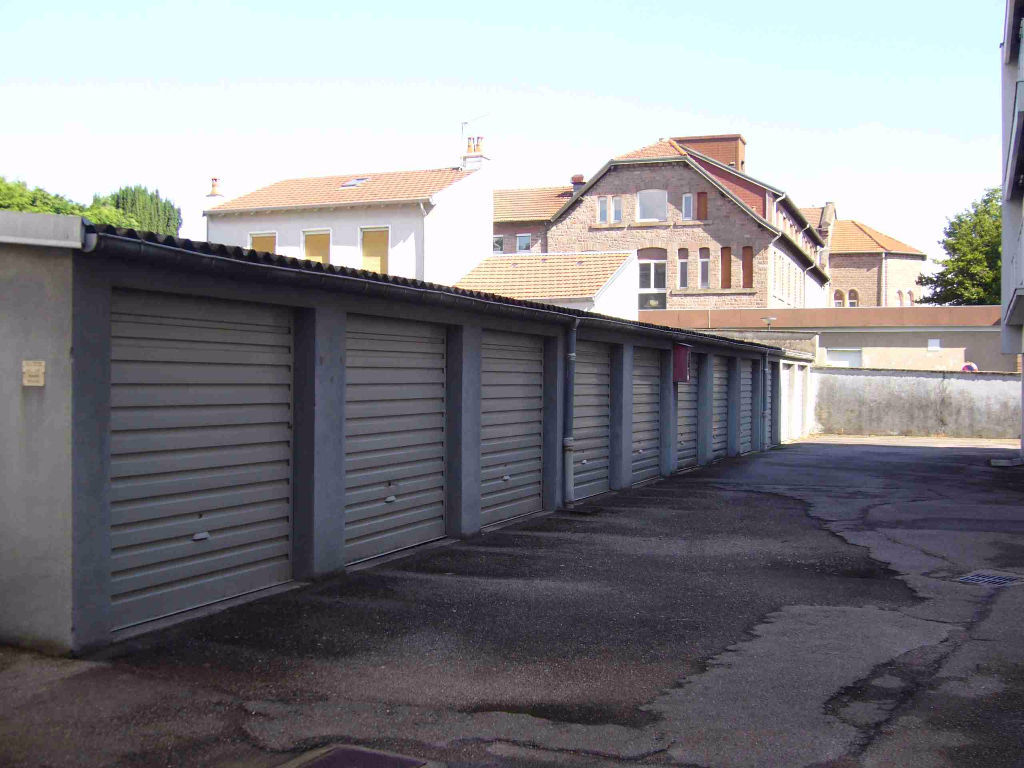 A louer parking box epinal 12 m la maison perchee for Garage toyota epinal